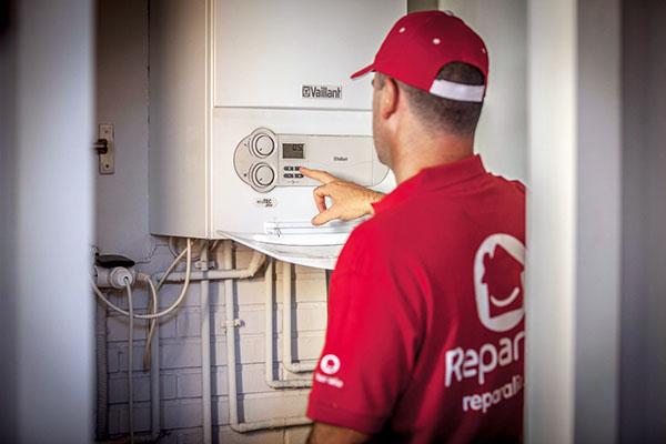 El técnico instalador prevé todas las necesidades a las que se va a enfrentar al momento de instalar la calefacción